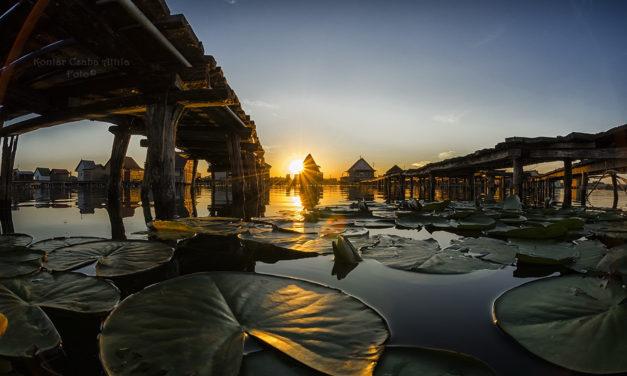 Το πλωτό χωριό Bokod μαγεύει φωτογράφους κι επισκέπτες