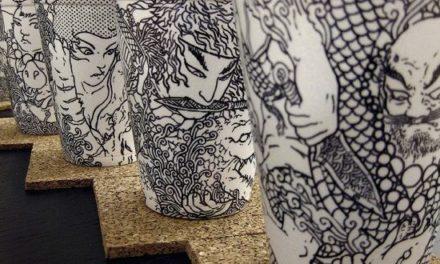 Τέχνη πάνω σε χάρτινα ποτήρια καφέ από τον Boey
