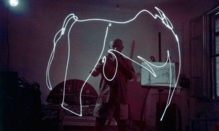 Ο Picasso δημιουργεί πίνακες από φως