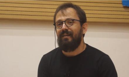 Ο Ανδρέας Κολίσογλου μας ρωτά «Τι νιώθετε όταν σκέφτεστε άτομο με αναπηρία;» και καθηλώνει με την ομιλία του, όποιον την ακούσει
