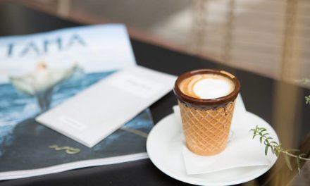 Στην  Καλλιθέα, η απόλαυση του καφέ πάει σε άλλο επίπεδο. Το ποτήρι του καφέ, τρώγεται!