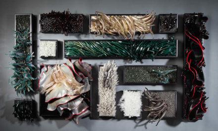 Τα γλυπτά από γυαλί της Shayna Leib, εμπνευσμένα από τη ροή του νερού και την κίνηση του ανέμου,  θα σε μαγέψουν!