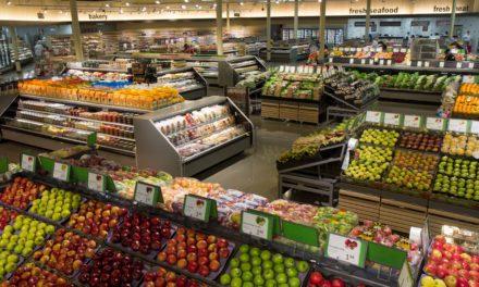 Στη Γαλλία, όλα τα σούπερ-μάρκετ είναι υποχρεωμένα βάσει νόμου να δωρίζουν τα απούλητα τρόφιμα  στους φτωχούς