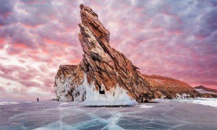 Η παγωμένη λίμνη Baikal μέσα από τον φωτογραφικό φακό της Kristina Makeeva μοιάζει μαγική!