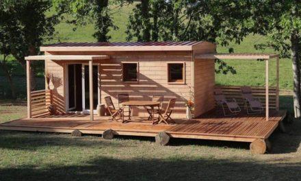 Brikawood : Χτίσε το σπίτι σου σε χρόνο ρεκόρ με συναρμολογούμενα ξύλινα τούβλα