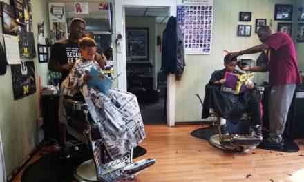Κουρείο στο Μίσιγκαν προσφέρει έκπτωση στους μικρούς πελάτες του αν κατά τη διάρκεια του ραντεβού τους διαβάζουν δυνατά ένα βιβλίο