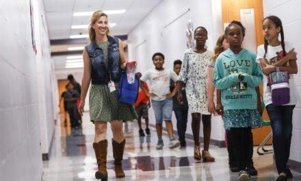 Δασκάλα θα δωρίσει το ένα της νεφρό για να σώσει μια δεκάχρονη μαθήτρια της