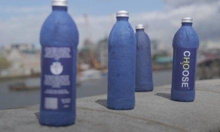 Ένα πλήρως βιοδιασπώμενο μπουκάλι νερού που δεν περιέχει πλαστικό φέρνει η εταιρία «Choose Water»