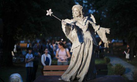 Αγάλματα παίρνουν ζωή στο εντυπωσιακό «Φεστιβάλ Ζωντανών Αγαλμάτων» στο Βουκουρέστι