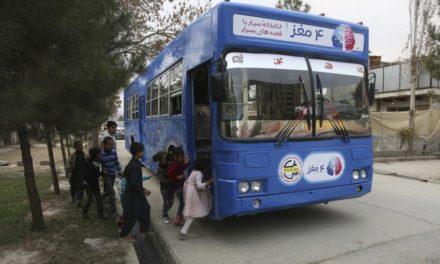 Η Freshta Karim έκανε σκοπό της ζωής της να συνδράμει στη βελτίωση των δεξιοτήτων ανάγνωσης κι αφήγησης των παιδιών στο Αφγανιστάν
