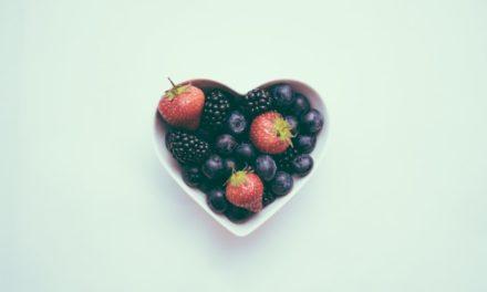 Ένα φρούτο που μειώνει κατά 40% τον κίνδυνο καρδιοπάθειας