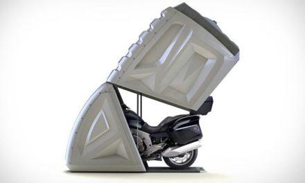 Το φορητό γκαράζ μοτοσικλέτας που καινοτομεί