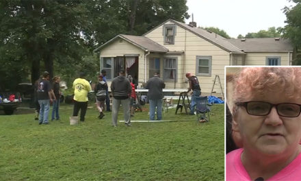 Δεκάδες άγνωστοι βοήθησαν μία ηλικιωμένη να μη χάσει το σπίτι της