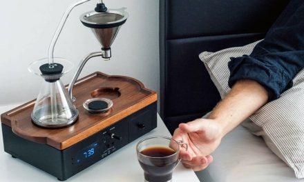 Το ξυπνητήρι που φτιάχνει καφέ την ώρα που χτυπάει!