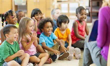 Νηπιαγωγοί στις ΗΠΑ εφαρμόζουν έναν πολύ όμορφο τρόπο για να κοινωνικοποιηθούν οι μαθητές τους