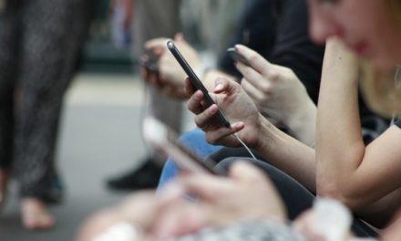 Αυτή η εταιρεία σε πληρώνει 100.000 δολάρια αρκεί να αφήσεις το κινητό σου για έναν χρόνο