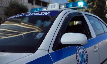 Περιπολικά της Αστυνομίας Τρικάλων εκτελούν χρέη κινητών βιβλιοθηκών στα χωριά