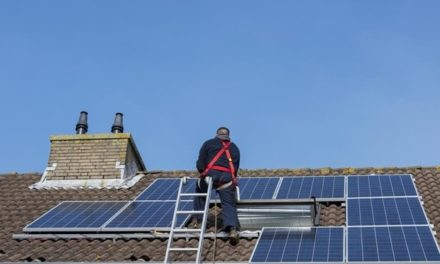 H EE διευκολύνει την πρόσβαση των καταναλωτών στην ηλιακή ενέργεια