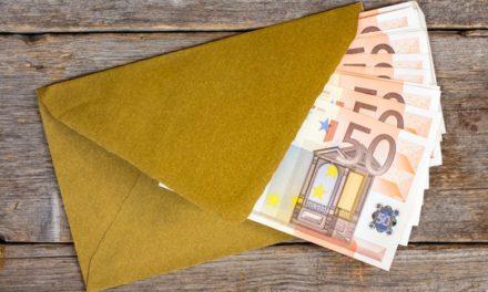Άγνωστος στέλνει φακέλους με χρήματα στους κατοίκους ενός ισπανικού χωριού