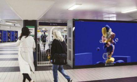 Διαφημιστικές πινακίδες για να ευθυμήσουν οι κάτοικοι της Στοκχόλμης