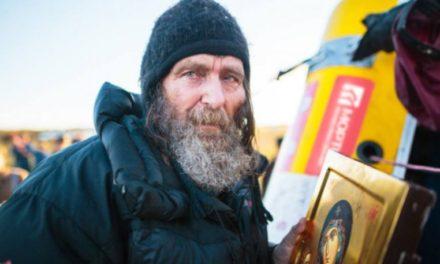 Ο Ρώσος θαλασσοπόρος Φιόντορ Κονιουχόφ έγινε ο πρώτος άνθρωπός στον κόσμο που διέπλευσε τον νότιο Ειρηνικό ωκεανό σε 154 μέρες με μία κωπηλατική βάρκα