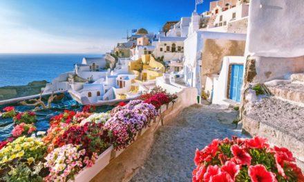 Η Global Traveller δηλώνει : «Καλύτερο νησί στην Ευρώπη» η Σαντορίνη