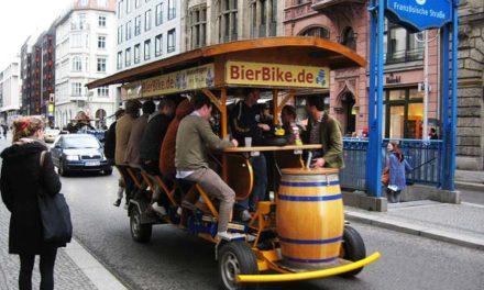 Απίθανες «κινητές μπιραρίες» στο Άμστερνταμ!