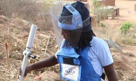 Οι γενναίες γυναίκες της Αγκόλα καθαρίζουν την πατρίδα τους από τις νάρκες