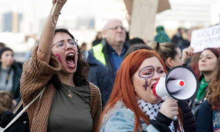 Βέλγιο: Χιλιάδες διαδηλωτές στους δρόμους κατά της βίας σε βάρος των γυναικών