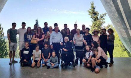 Η συγκινητική επανένωση της 92χρονης Ελληνίδας με τους Εβραίους που έσωσε στη Κατοχή