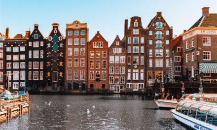 Ο δήμος του Άμστερνταμ εξαγοράζει τα χρέη των νέων ενηλίκων και τους δίνει και 750 ευρώ