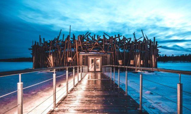 «Arctic Bath»: Άνοιξε το πρώτο πλωτό ξενοδοχείο στον Αρκτικό Κύκλο