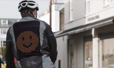Νέο Emoji Jacket της Ford βοηθά ποδηλάτες και οδηγούς να «Μοιράζονται τον Δρόμο» με ασφάλεια