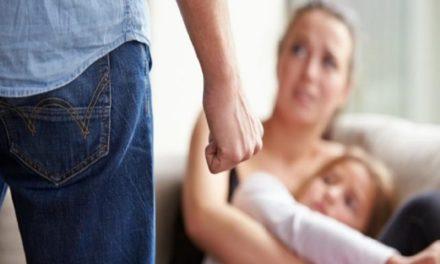 Τα θύματα ενδοοικογενειακής βίας μπορούν να χρησιμοποιήσουν σε φαρμακεία τον διεθνή κωδικό «Μάσκα-19»