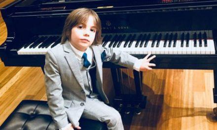 Στέλιος Κερασίδης: To 7χρονο παιδί θαύμα έγραψε το «βαλς της απομόνωσης»