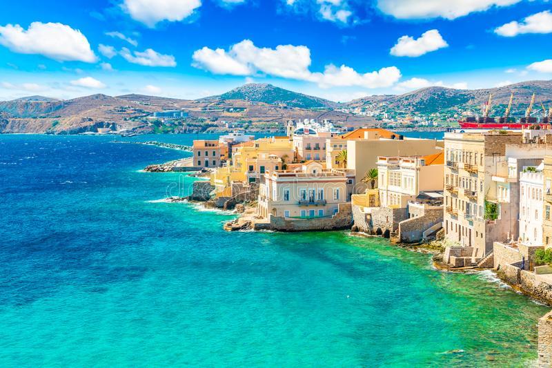 Μια μικρή… Ιταλία στην Ελλάδα – Ο τίτλος της Daily Mail για τη Σύρο