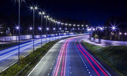 Η Περιφέρεια Θεσσαλίας πρωτοπορεί αντικαθιστώντας τον ενεργοβόρο φωτισμό των δρόμων με 7.700 οδοφωτιστικά τύπου LED