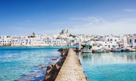 Clean Blue Paros: Πρωτοποριακό πρόγραμμα για να γίνει η Πάρος το πρώτο νησί χωρίς πλαστικά μιας χρήσης στη Μεσόγειο