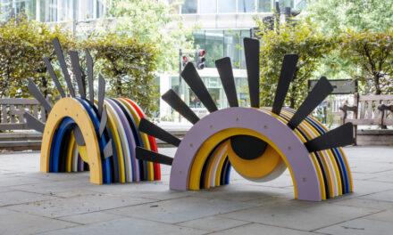 Πρωτότυπα παγκάκια στους δρόμους του Λονδίνου