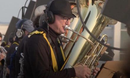 Η Συμφωνική Ορχήστρα της Δρέσδης δίνει συναυλίες σε ταράτσες εργατικών πολυκατοικιών