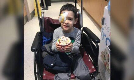 Τυφλό αγόρι βλέπει τα αστέρια για πρώτη φορά μετά από γονιδιακή θεραπεία