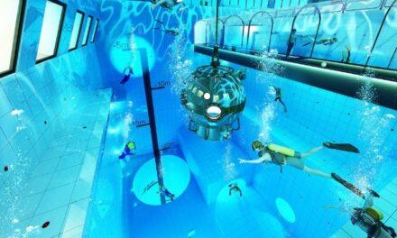 Άνοιξε η βαθύτερη πισίνα στον κόσμο!
