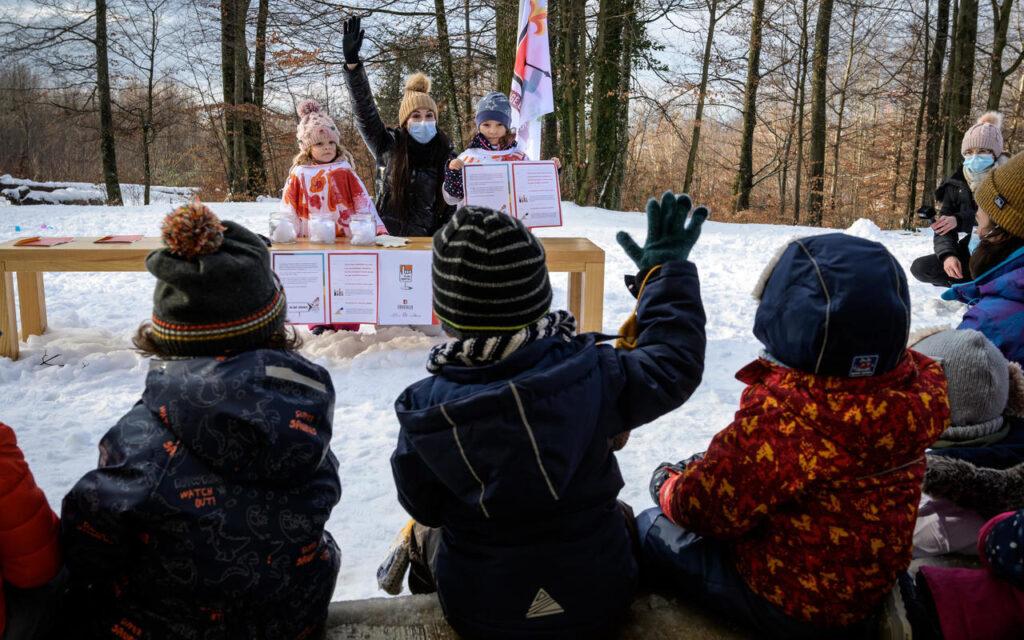 Οι μαθητές στην Ελβετία μαθαίνουν τι είναι δημοκρατία, παίζοντας στο σχολείο