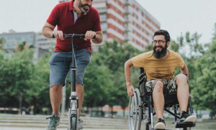 Ήξερες ότι υπάρχουν ρούχα για άτομα με κινητικές δυσκολίες;