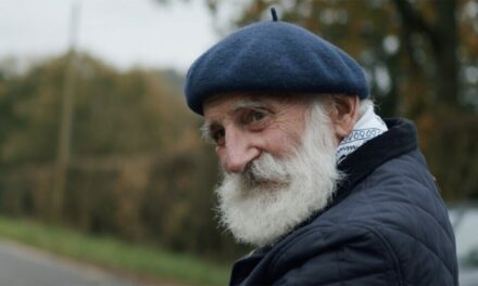 Τζον Μπάτλερ: O 84χρονος πρώην αγρότης που έγινε κατά λάθος σταρ του YouTube