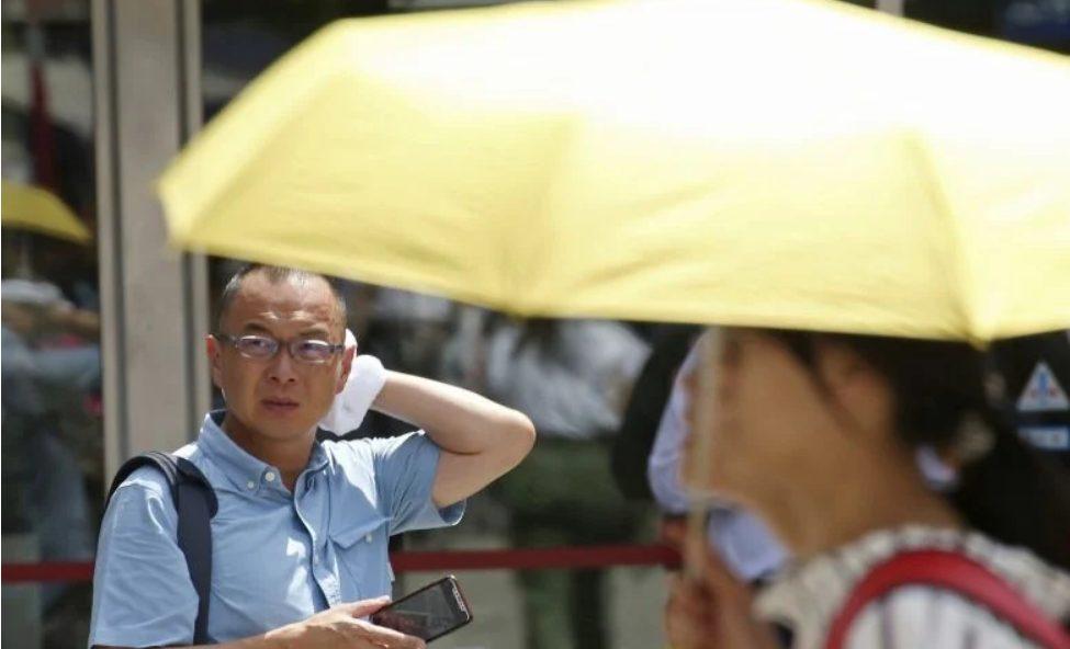 Κινέζικο πρωτοποριακό ύφασμα «ρίχνει» έως 5 βαθμούς Κελσίου τη θερμοκρασία του σώματος
